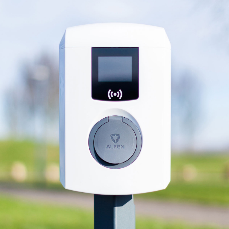 alfen-borne-de-recharge-wallbox-904460034-eve-mini-type-2-22kw-3ph-32a-acces-rfid