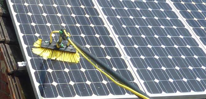 lavage panneau solaire